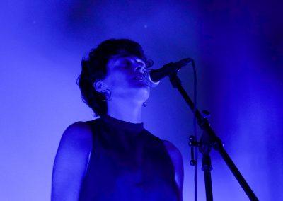 live_performances_singer_songwriter_saravanja_spiegel_cinemaplaneta